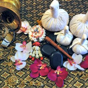 Massage Thaï aux plantes et herbes aromatiques