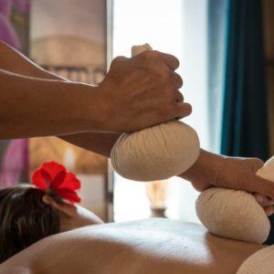 massage thaï avec le pochon